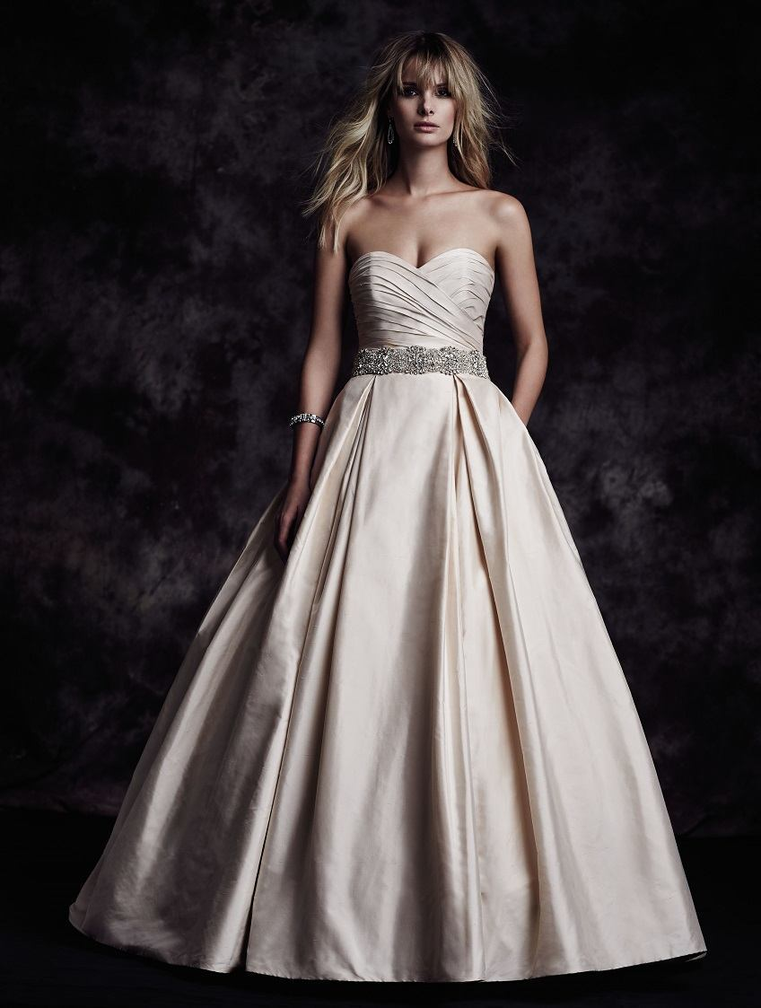 Paloma Blanca wedding dress Fall Collection Style 4606 front