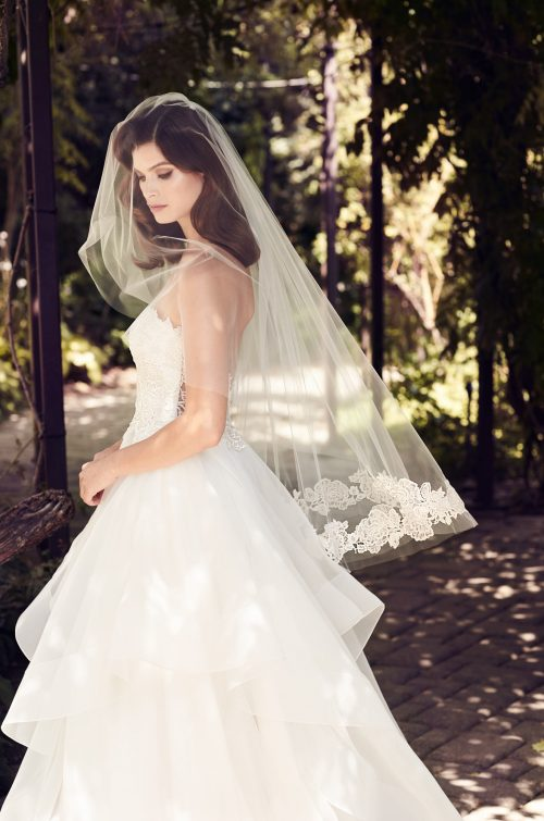 Two-Tone Guipure Lace Veil - Style #V474F | Paloma Blanca